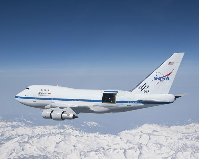 SOFIA air-to-air over the Sierra Nevada Mountains (Credit: NASA, USRA (Universities Space Research Association), and L-3 Communications Integrated Systems/Jim Ross)